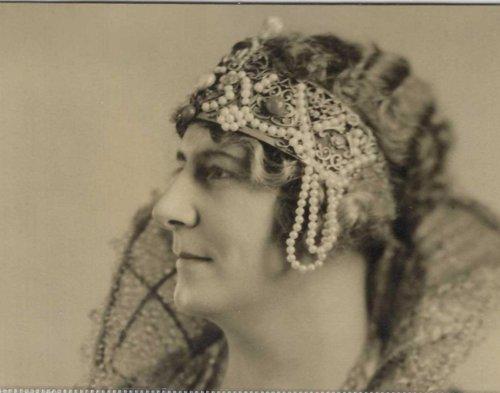 nydia_1927_1st_original_nydia_crown_queen_anna_v_smith
