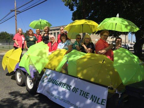 nydia_float_baker_city_parade